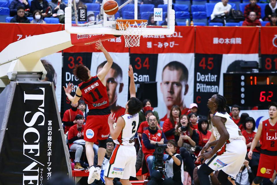 富山グラウジーズ×横浜ビー・コルセアーズ富山市総合体育館