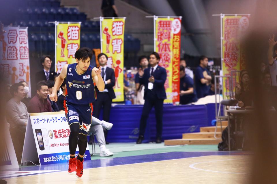 横浜ビー・コルセアーズ×琉球ゴールデンキングス横浜国際プール20171203