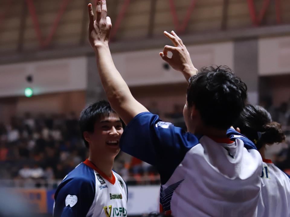 琉球ゴールデンキングス横浜ビー・コルセアーズ沖縄市体育館